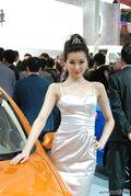 中华妩媚白嫩车模