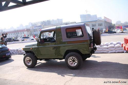 吉普[更多图片]  北京bj2020系列是越野爱好者的最佳改装对象高清图片