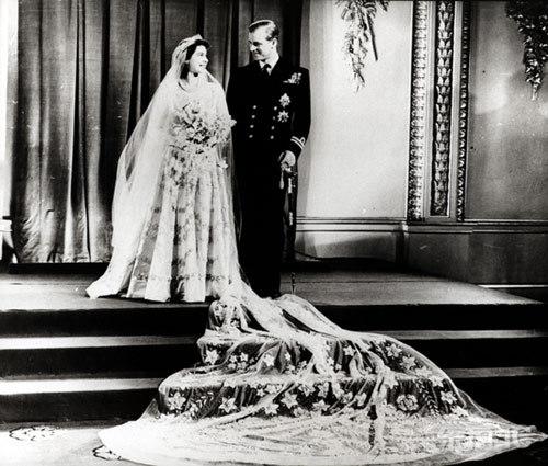 盘点英国王室婚礼 戴安娜王妃vs凯特王妃