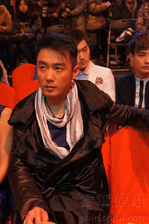 娱乐讯 昨晚,2013国剧盛典在北京盛大举行,青年演员巩峥也受邀出