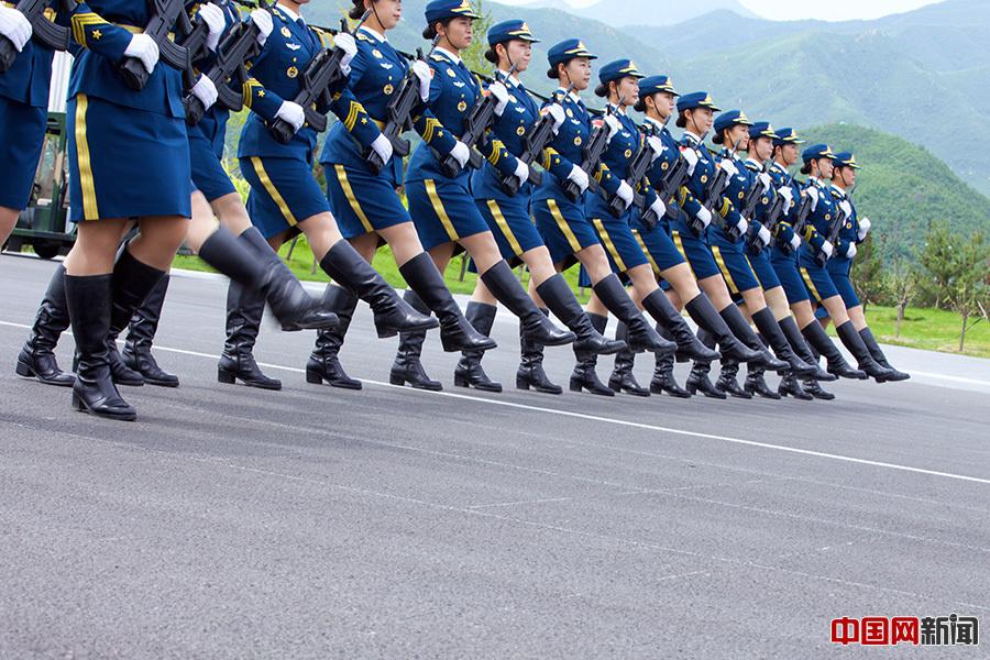 【原创】解放军仪仗队女子方队 - 白猿 - 沙海尘埃
