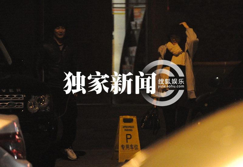 工作室/图文)2012年,内地无名小模王李丹妮出演了题材大胆出格的