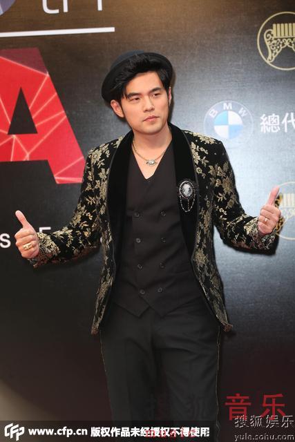,第26届台湾金曲奖颁奖礼红毯,最佳男歌手夺奖大热周杰伦携好兄