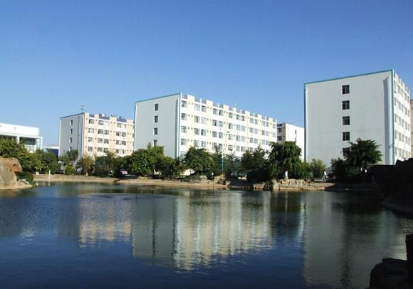 云南师范大学商学院是经教育部批准举办的独立学院,属普通本科高