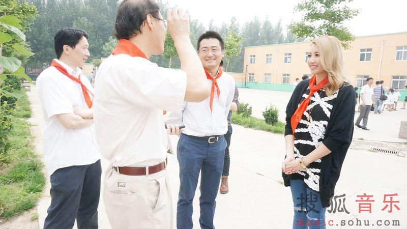 ...音乐娱乐大中华区首席执行官徐毅先生、刚加盟索尼音乐的天生...