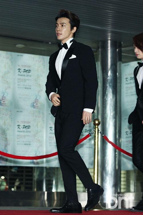 星光熠熠.bnt?-Gaon颁奖典礼圆满落幕 EXO等盛装亮相红毯