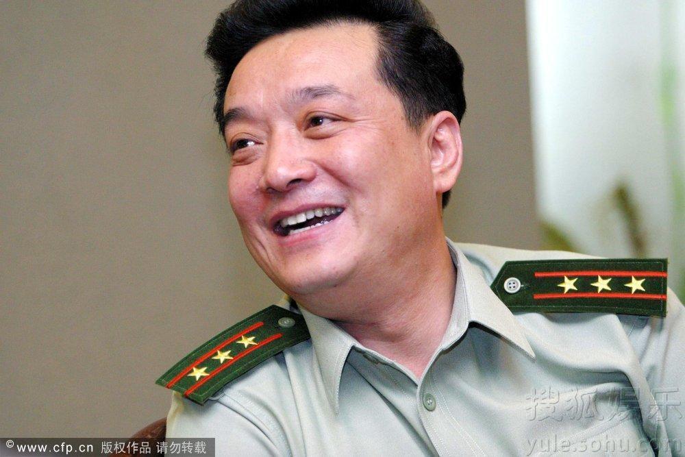 23日讯,著名相声演员王平因突发心脏病去世享年50岁.从相声演员
