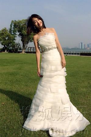 搜狐娱乐讯 日前,由周冬雨再度牵手陈晓领衔主演的现代都市高清图片