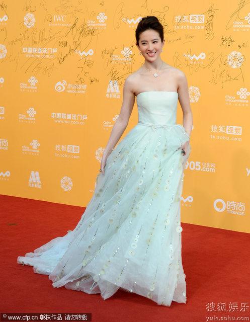 开幕.群星走上红毯,图为刘亦菲.-北京国际电影节开幕 女星红毯