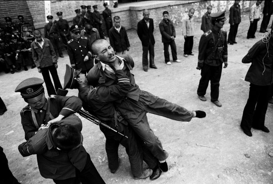 公捕公判捆女犯-从 法制 到 法治图片