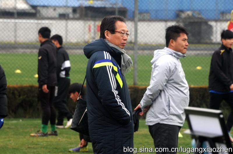 中国曼联再起航 根宝杭州热身握手冈田武史(图)