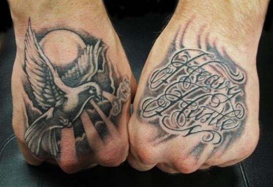 手上的艺术 创意十足的组合式手部纹身5780909-男人