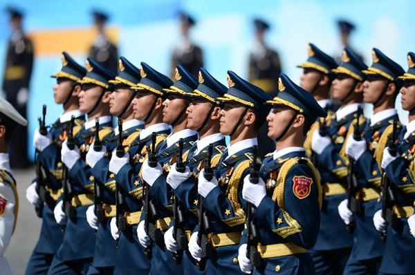 俄罗斯阅兵10国方队 解放军仪仗队最帅气 - tianlong1952-518 - 天 龙 的博客
