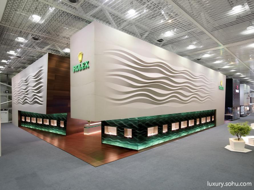 劳力士展馆设计:丰富材料与高科技的结合
