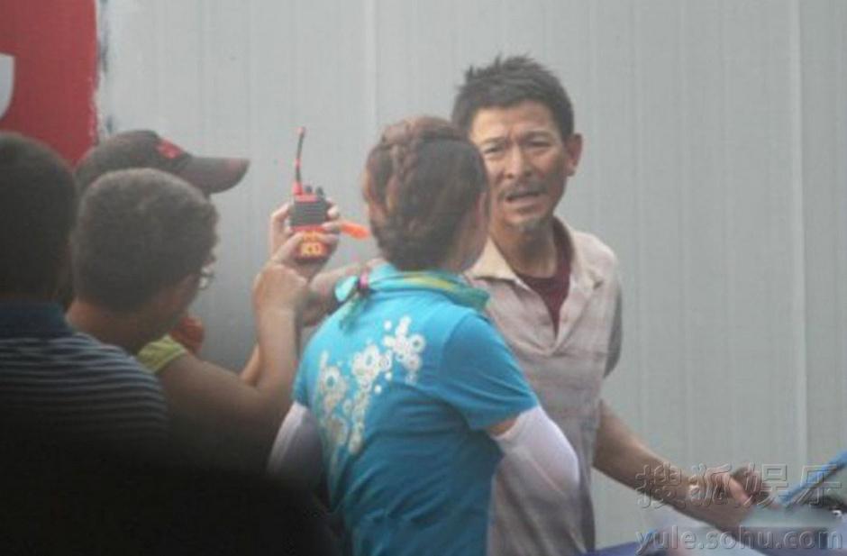 《匆匆那年》个性版剧照曝光 《爱情进化论》在京发布 刘雅瑟鬼马爱