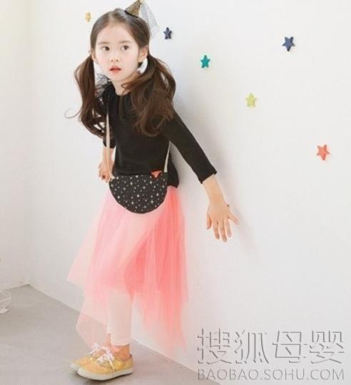 韩国粉嫩小萝莉pk小眼正太6577429-母婴图片库-大视野