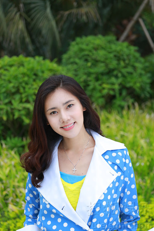 秋瓷炫春末写真 糖果色清甜女神