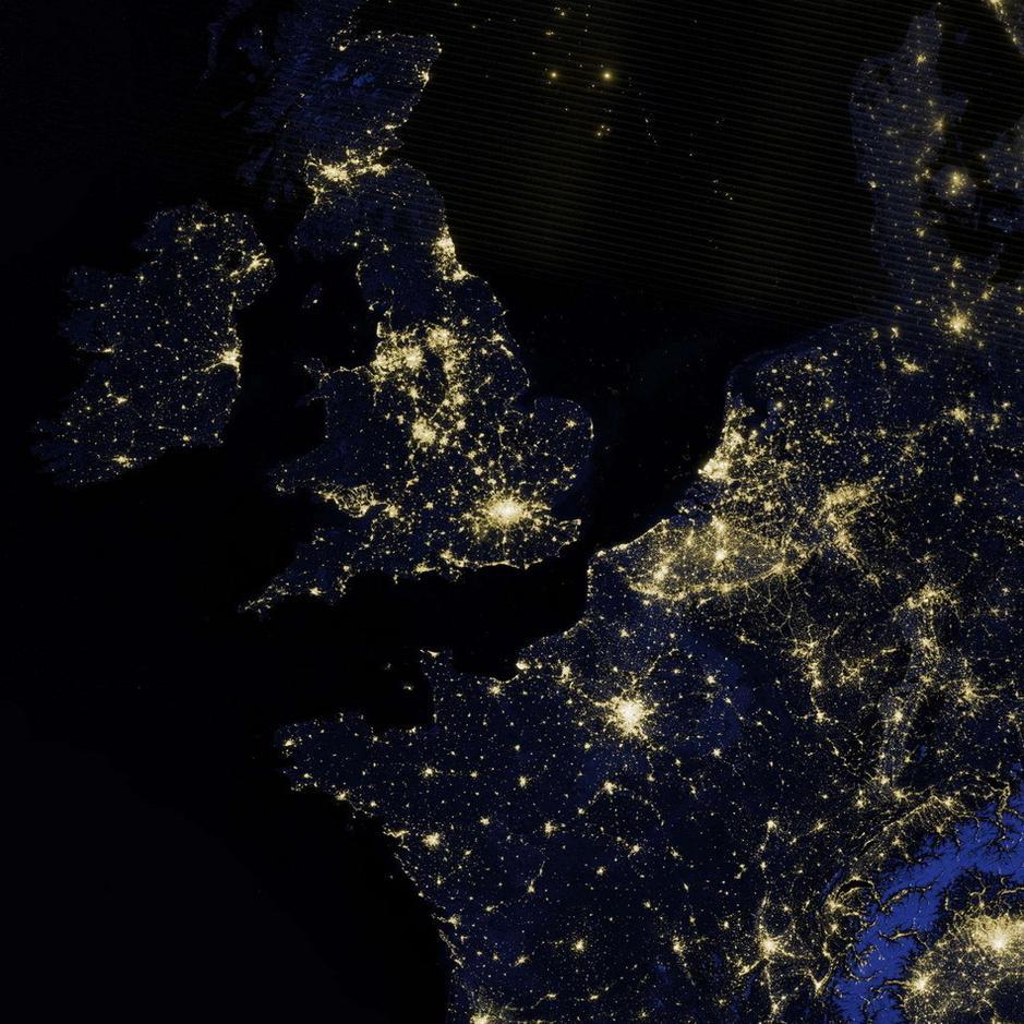 nasa公布最新地球卫星照片