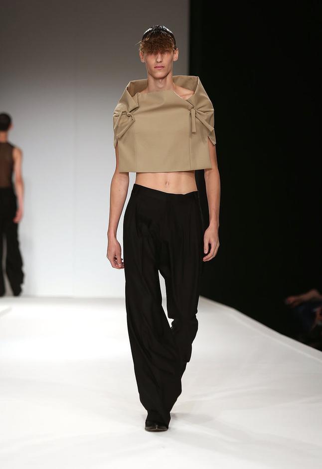 奇葩男装 看服装设计师的怪异灵感