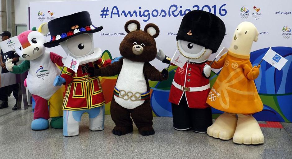 高清:历届奥运吉祥物里约造势