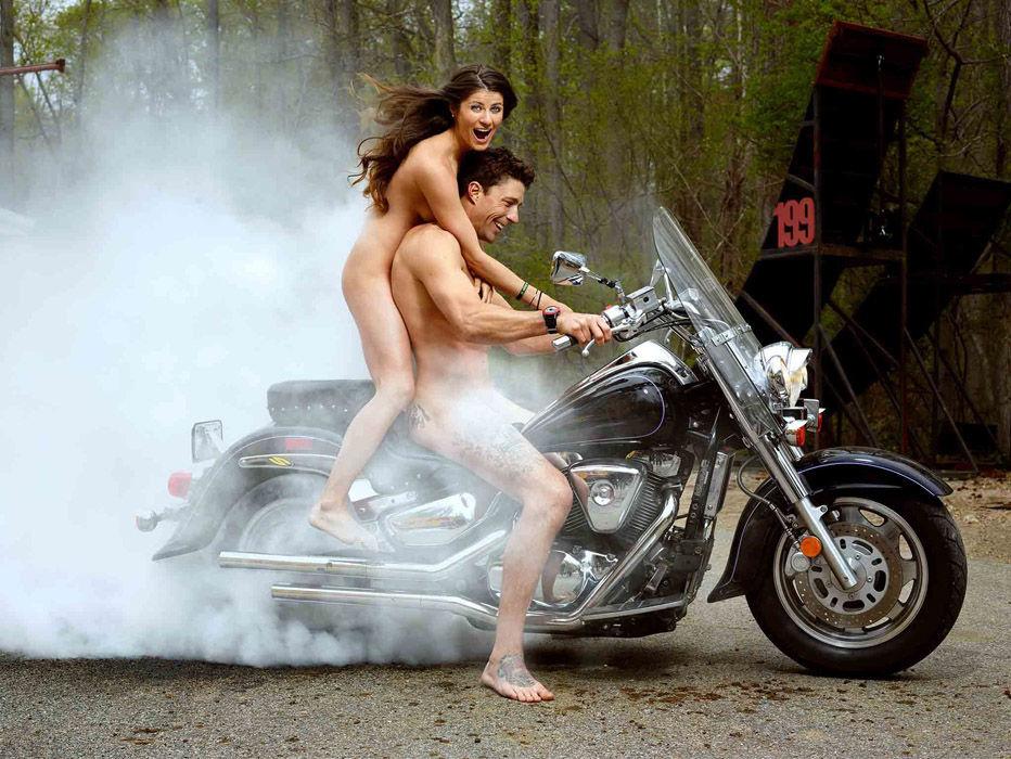 刊出炉:菲尔普斯全裸出镜6927041 男人图片库