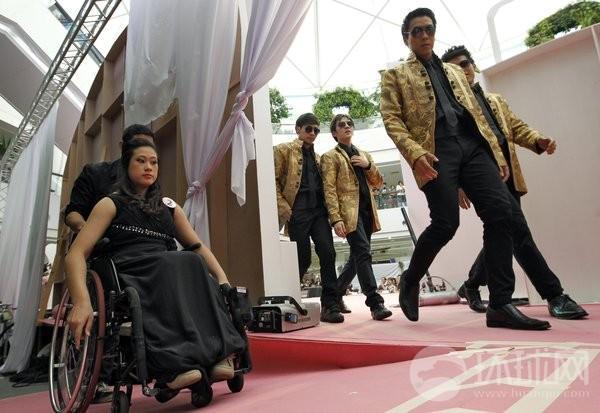 残疾美女惊艳