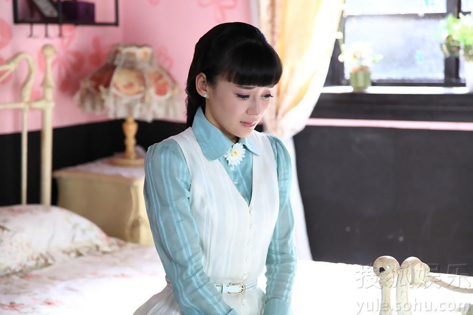袁姗姗饰姚小蝶 搜狐娱乐讯 电视剧《爱在春天》于昨