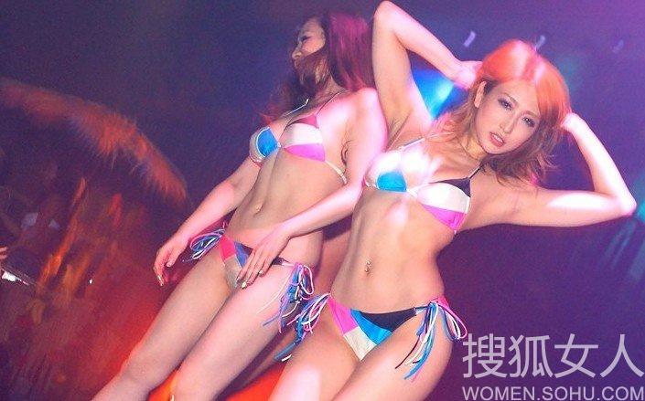 日本疯狂比基尼派对美女如云