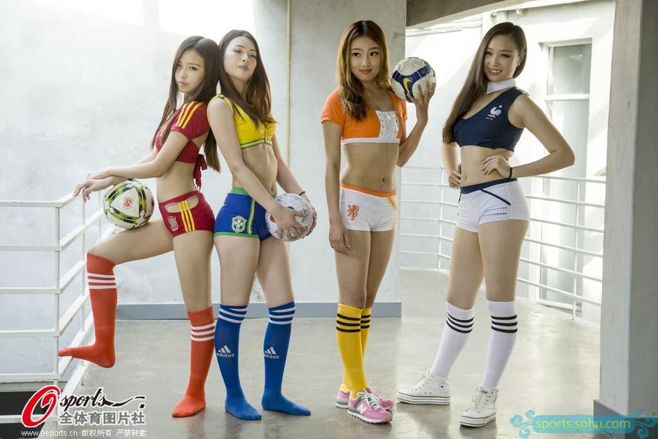 高清图:美女足球宝贝再度来袭