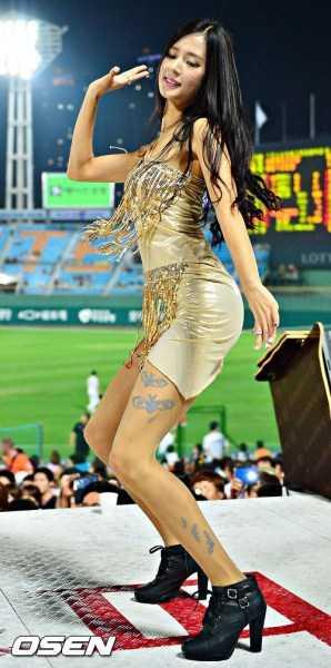 组图:韩国90后棒球女神朴姬兰 酷似刘亦菲