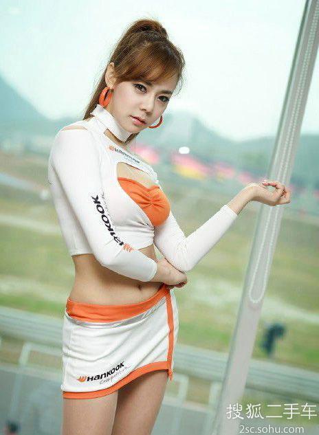 梨窝美女 韩国田园风超可爱性感车模