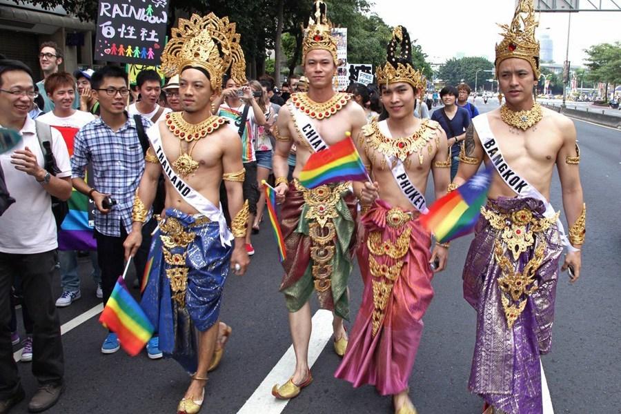 台湾5万余名同性恋者大游行,争取同志权益 - 老年神韵 - 老年神韵