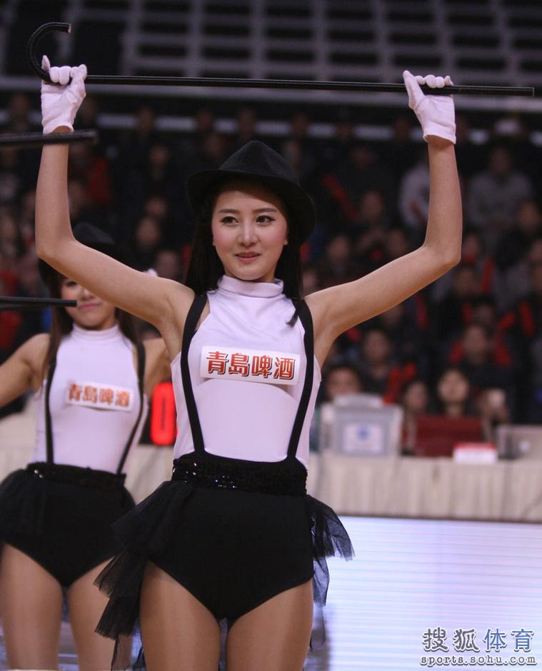组图:重庆篮球宝贝性感热舞 靓丽美女清纯脱俗