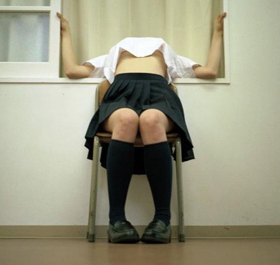 日本女学生拍行为艺术照网友大呼大胆552157