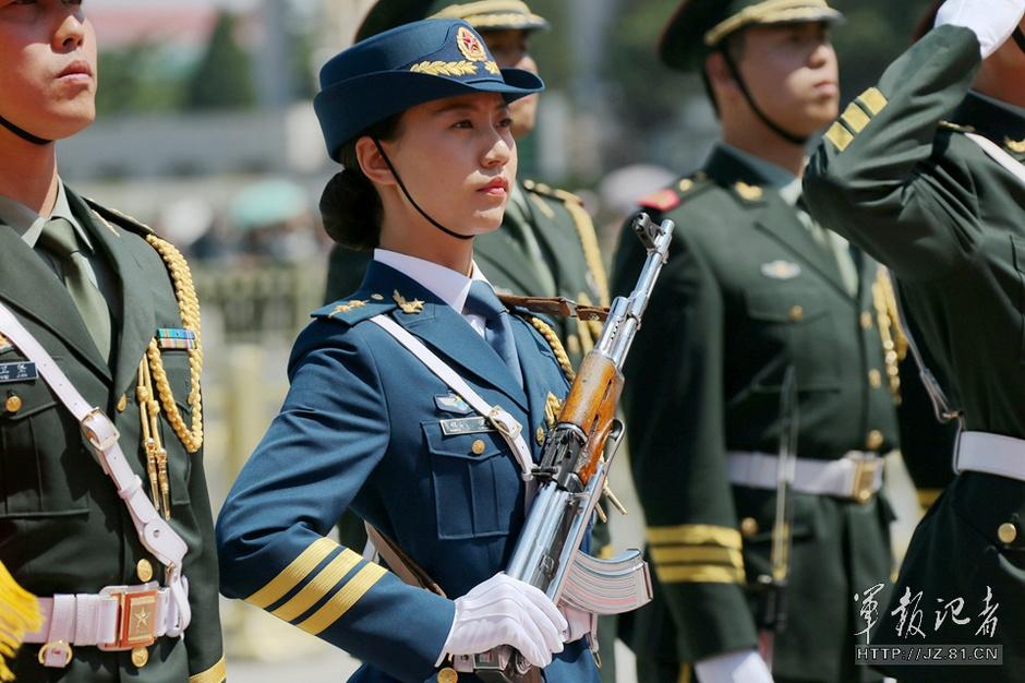 解放军历史上首批仪仗女兵亮相 - 国防绿 - ★☆★国防绿JL★☆★
