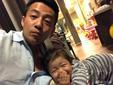 汪小菲与女儿自拍 小玥儿长发及腰笑开了花