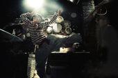 """被称为""""最会讲故事""""的导演宁浩携新作《黄金大劫案》回归,除了剧情依旧扣人心弦、冒险全面升级之外,片..."""