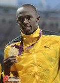 北京时间8月7日,伦敦奥运会男子百米冠军博尔特获颁金牌。更多奥运视频>> 更多奥运图片>>