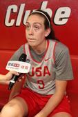 北京时间8月21日凌晨,里约奥运会女子篮球决赛,美国101-72轻取西班牙,实现了六连冠。赛后搜狐前...