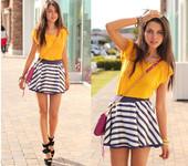 条纹依然是2012年春夏大热的时尚元素,完全无需烦恼搭配,只要一件条纹裙上身,就轻松让你成为人群中最...