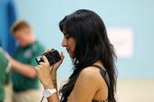 北京时间2012年8月12日,梦十备战男篮决赛。场边负责报道的美女记者成了一道亮眼的风景线。(李琳琳...