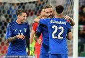 北京时间6月8日凌晨2:45分,一场国际足球友谊赛打响,意大利队在主场对战乌拉圭。上半场比赛,乌拉圭...