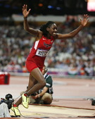 北京时间8月9日,2012伦敦奥运会女子跳远决赛,美国选手里斯以7.12米成绩获得冠军。更多奥运视频...