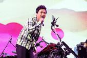 8月10日在上海浅水湾文化艺术中心举办了张志林《爱情厨男》新专辑发布会。现场,爱情厨男张志林献唱了包...