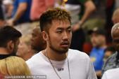 北京时间7月12日,睢冉现身NBA夏季联赛场边为小丁助阵。