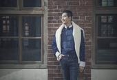 搜狐娱乐讯 近日,何晟铭曝光了一组全新写真,这次他尝试了文艺素雅的风格。在台湾白金录音室录制新歌之际...