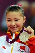 北京时间2012年8月6日,第三十届奥运会体操女子高低杠决赛在伦敦的北格林威治体育馆进行,俄罗斯选手...