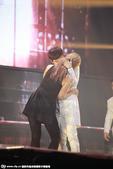搜狐娱乐讯  2014年11月8日,韩国人气天团Super Junior组合在香港亚洲博览馆举行演唱...