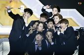 搜狐娱乐讯 21日,sbs歌谣大战在首尔江南区coxe举行。现场EXO、CNblue、INIFN...