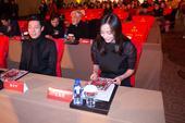 搜狐娱乐讯  由南方人物周刊主办的2014年中国魅力榜颁奖仪式日前在北京举行,王珞丹凭借出道10年依...